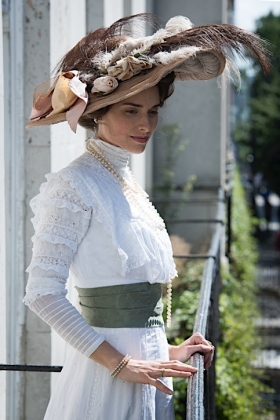 RJ-Edwardian Women-Set 4-004