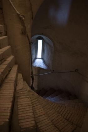 RJ-Interiors-med & tudor castles-004