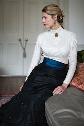 RJ-Victorian Women-Set 19-002