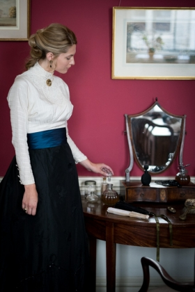 RJ-Victorian Women-Set 7-003