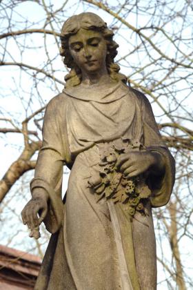 RJ-Angels-and-Statues-002