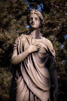 RJ-Angels-and-Statues-011