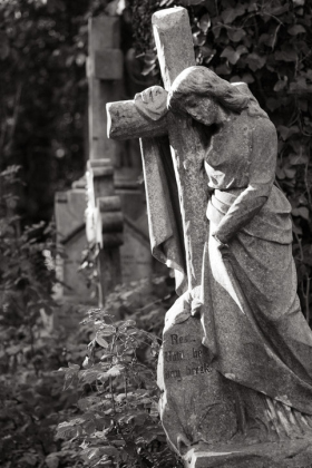RJ-Angels-and-Statues-032