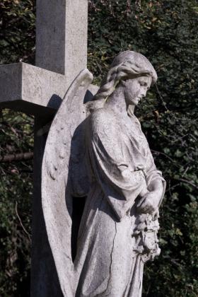 RJ-Angels-and-Statues-042