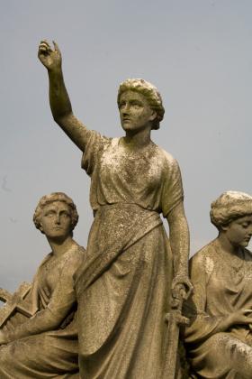 RJ-Angels-and-Statues-046