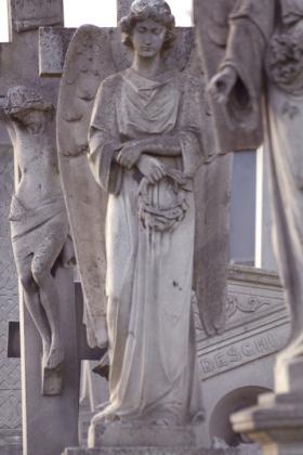 RJ-Angels-and-Statues-053