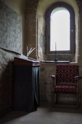 RJ-Interiors-med & tudor castles-002