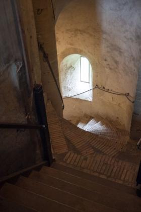 RJ-Interiors-med & tudor castles-016