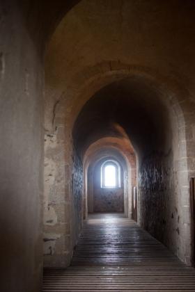 RJ-Interiors-med & tudor castles-019