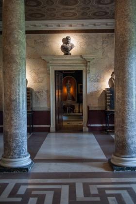 RJ-Interiors-Doors-and-Doorways-003