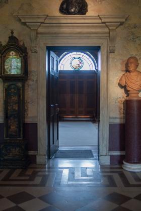 RJ-Interiors-Doors-and-Doorways-006