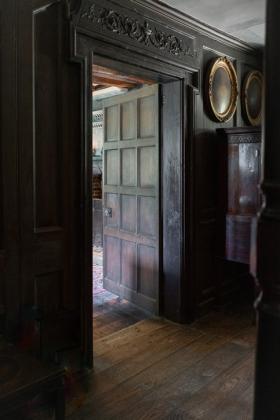 RJ-Interiors-Doors-and-Doorways-008