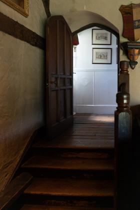 RJ-Interiors-Doors-and-Doorways-011