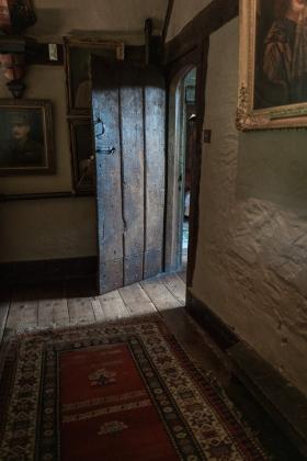 RJ-Interiors-Doors-and-Doorways-012