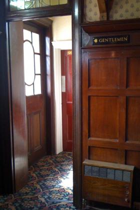 RJ-Interiors-Doors-and-Doorways-016