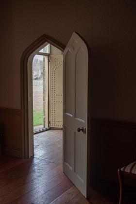 RJ-Interiors-Doors-and-Doorways-023