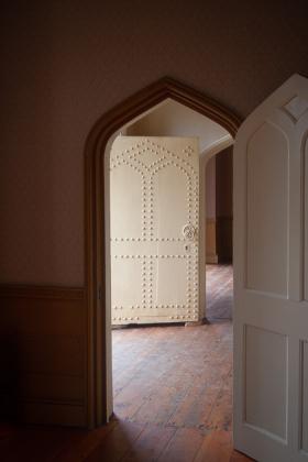 RJ-Interiors-Doors-and-Doorways-024