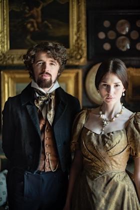 RJ-Victorian Couple-Set 1-001