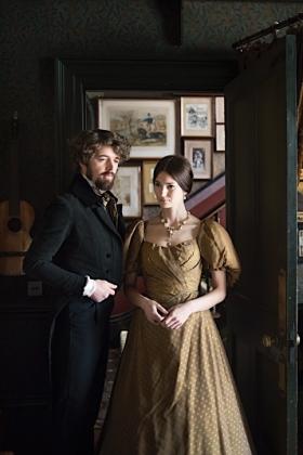 RJ-Victorian Couple-Set 1-035