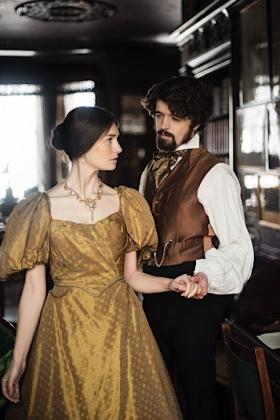 RJ-Victorian Couple-Set 1-081