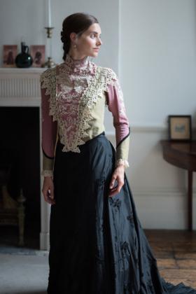 RJ-Victorian-Women-Set-17-046