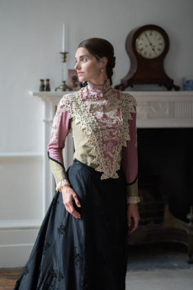 RJ-Victorian-Women-Set-17-048