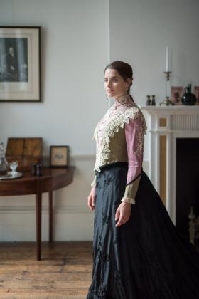 RJ-Victorian-Women-Set-17-051