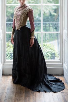 RJ-Victorian-Women-Set-17-071