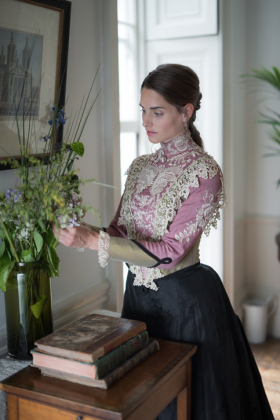 RJ-Victorian-Women-Set-17-072