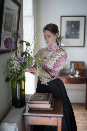 RJ-Victorian-Women-Set-17-076