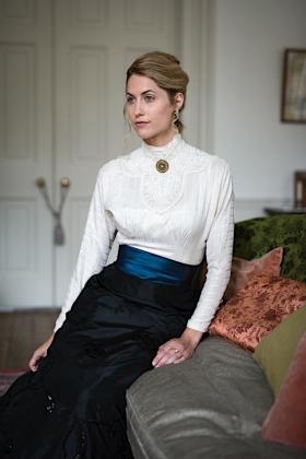 RJ-Victorian Women-Set 19-003